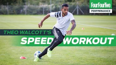 FOUR FOUR TWO | Theo Walcott | How to improve acceleration | Train like a Pro