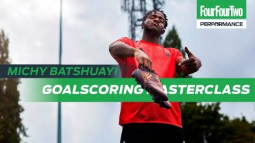 FOUR FOUR TWO | Michy Batshuayi | Goalscoring masterclass | Train like a pro